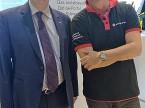 Markus Aegerter mit Vizepräsident Pierre Daniel Senn am Stand AGVS.